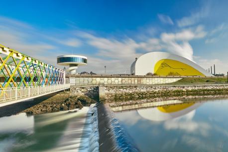 Centru Niemeyer