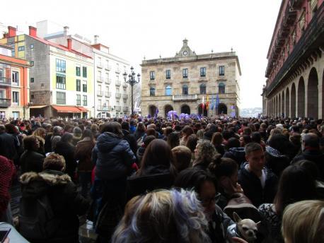 El movimientu feminista toma les places del país y prepara la gran manifestación de Xixón