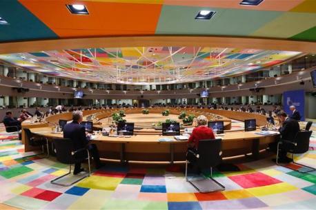 Conseyu Européu negociaciones alcuerdu reestructuración COVID-19