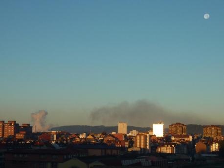 Xixón, Avilés y Uviéu rexistren un aumentu de la contaminación del aire