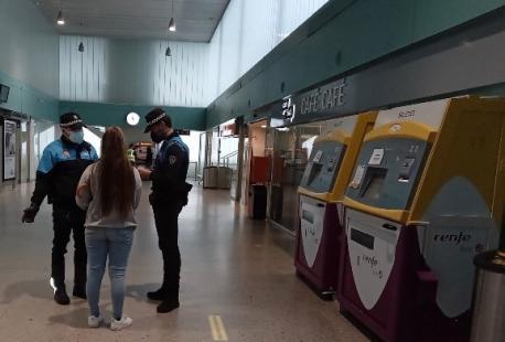 Control policial zarru perimetral estación de tren de Xixón