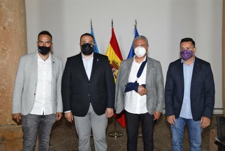 Barbón sella cola patronal y los sindicatos un gran alcuerdu social pa impulsar la reconstrucción económica d'Asturies