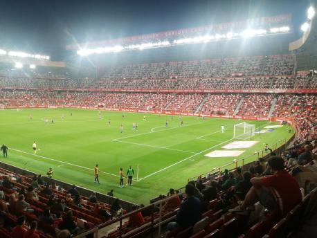 El Molinón midíes COVID-19 (Sporting 0-2 Almería del 30 de mayu)