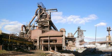"ArcelorMittal anuncia axustes nuevos pola ""debilidá del mercáu"" qu'afeuten a Asturies"