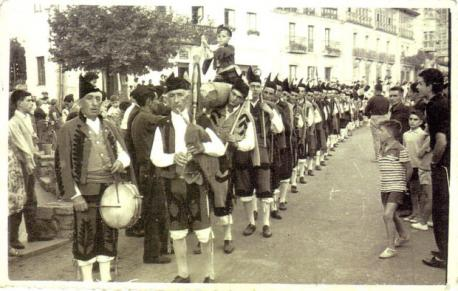 H.oguera del Cristo sobre 1955