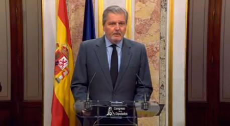 El Gobiernu estatal anuncia que va continuar colos trámites previstos nel 155 énte la posición de Puigdemont