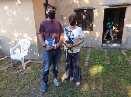 Ismael González (Valdés) y Esther García presentación 'A veces el amor es azul'