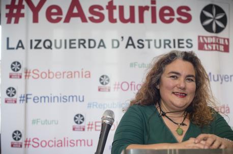 """Llucía Fernández: """"Andecha y Agora Repúbliques dan voz al pueblu asturianu n'Europa y Asturies"""""""