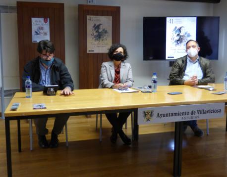 Lluis Portal, Berta Piñán y Alejandro Vega presentación Tuxa XLI Selmana de les Lletres