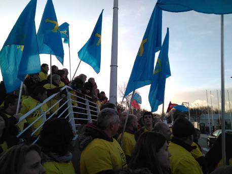 Manifestación trabayadores d'Alcoa en marzu Recintu Ferial Luis Adaro