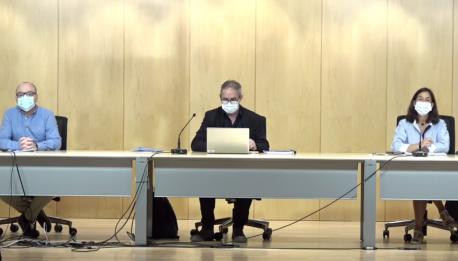 Miguel Ángel Prieto, Rafael Cofiño y María José Villanueva cambiu criteriu 4+