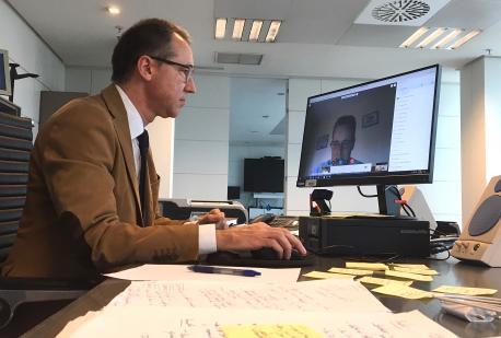 Pablo Ignacio Fernández Muñiz videoconferencia informativa grupu COVID-19 14 de mayu