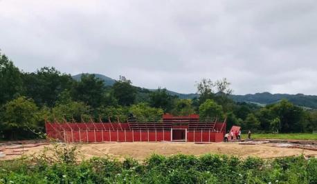 Plaza portátil en Mestas de Con voltiada