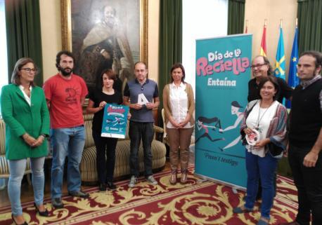 """Si la familia usa l'asturianu, los neños y les neñes van tener munches ventayes pa deprender otres llingües"", diz López"