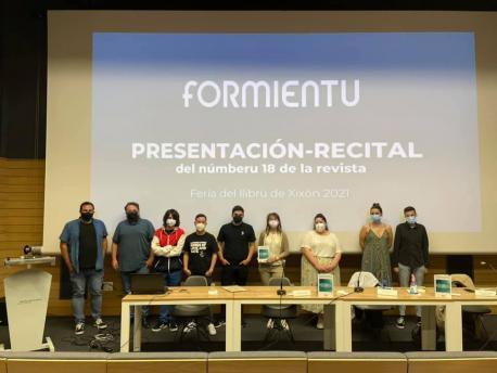 Presentación númberu 18 de 'Formientu' na Feria del Libro de Xixón