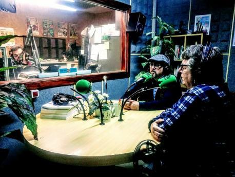 Tante Blanco y Maxi Areñes na radio con Enrique Carballeira