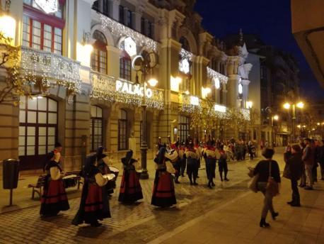 Teatru Palaciu Valdés 'La banda sonora de la oficialidá' XDLA