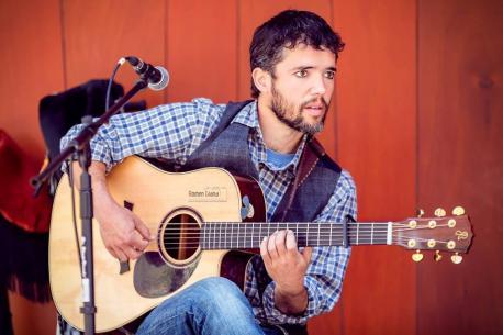 Ún de Grao lleva la so propuesta musical a Lleón y Madrid