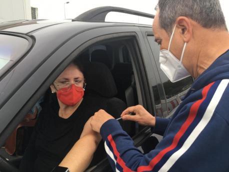 Vacunación menores de 60 años autovac de La Pola Siero