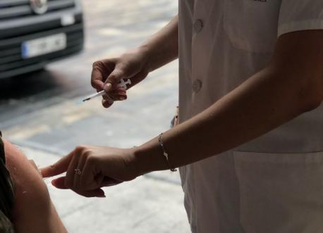 Vacunación na Plaza Mayor de Xixón