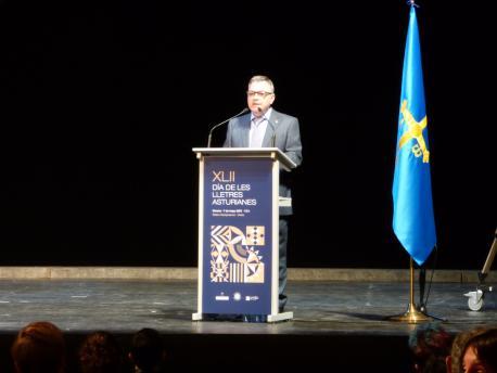 Xosé Antón González Riaño nel XLII Día de les Lletres Asturienes