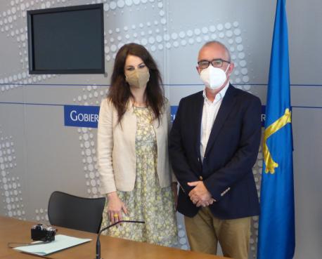 Yolanda Castaño y Antón García beca residencia lliteraria