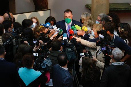 Adrián Barbón atiende medios mañana XLI Premios Princesa