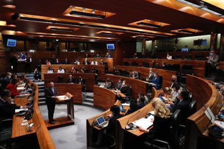Adrián Barbón segunda sesión del alderique d'orientación política 2021-2022