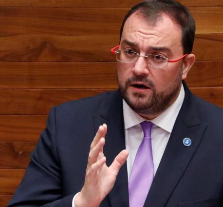 Adrián Barbón xestu segunda sesión del alderique d'orientación política 2021-2022