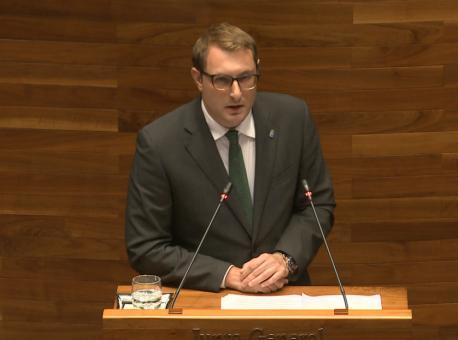 Adrián Pumares segunda sesión del alderique d'orientación política 2021-2022