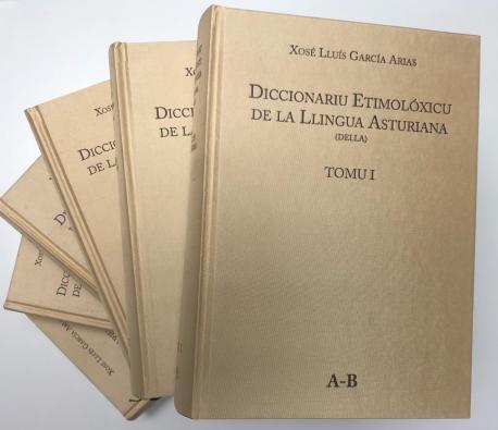 Seis primeros tomos del Diccionariu Etimolóxicu de la Llingua Asturiana (DELLA)